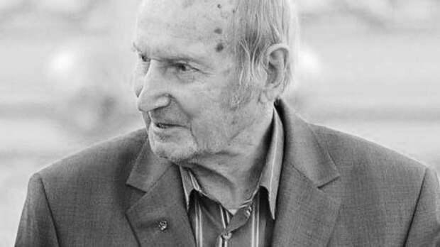 Ушел из жизни первый советский олимпийский чемпион по хоккею Виктор Шувалов. Ему было 97 лет