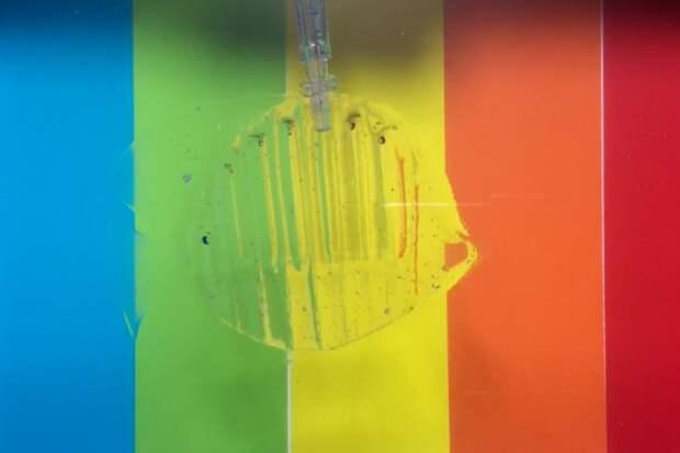 Миниатюрные роботы из гидрогеля танцуют брейк-данс и перевозят грузы по воде