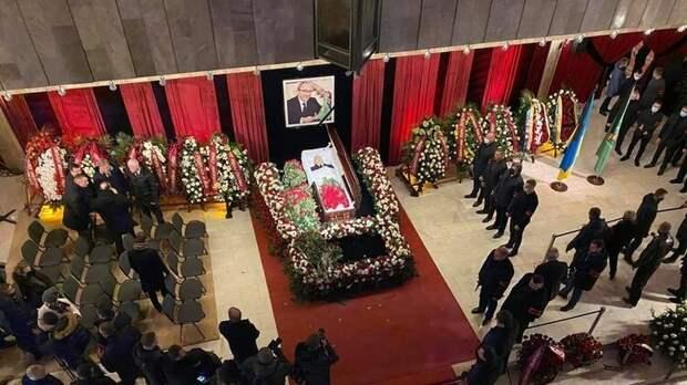 Похороны – как форма протеста против «зе-власти»