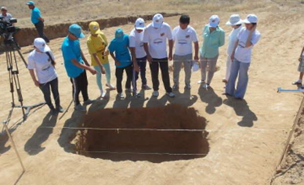 Уникальные находки обнаружены в кургане эпохи  сарматов Атырауской области