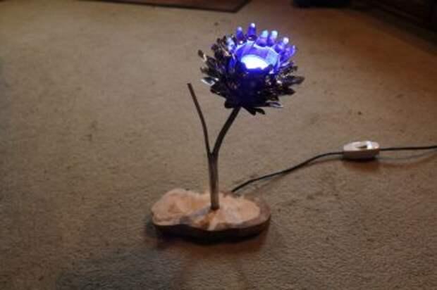 САМОДЕЛКИ. Светильник из металлической лампы в виде цветка