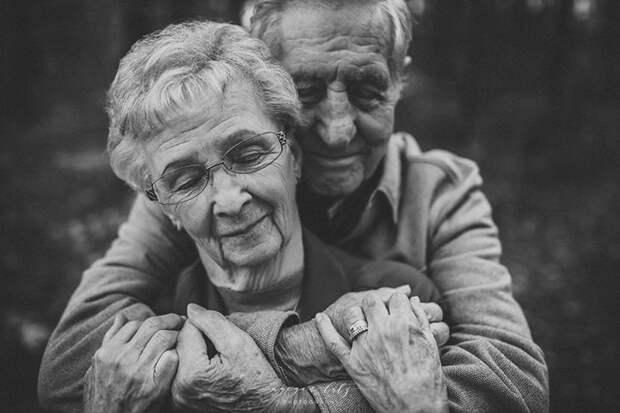 Трогательные фотографии пары, которая жената уже 68 лет