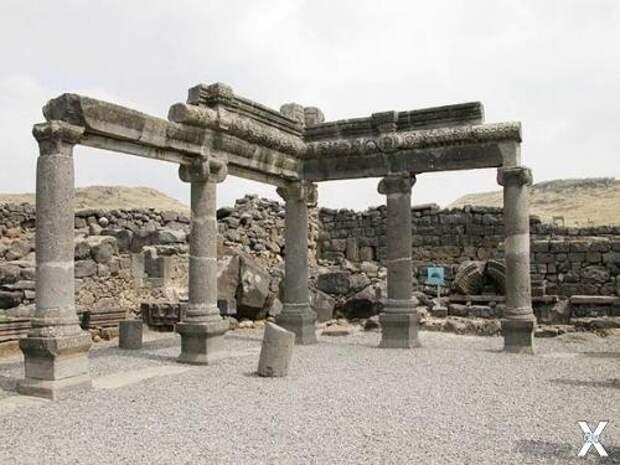 Развалины древней синагоги в Коразиме