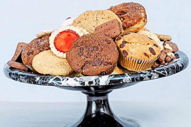 Что мыедим: британка хранила сладости 20 лет, аимхотьбы хны