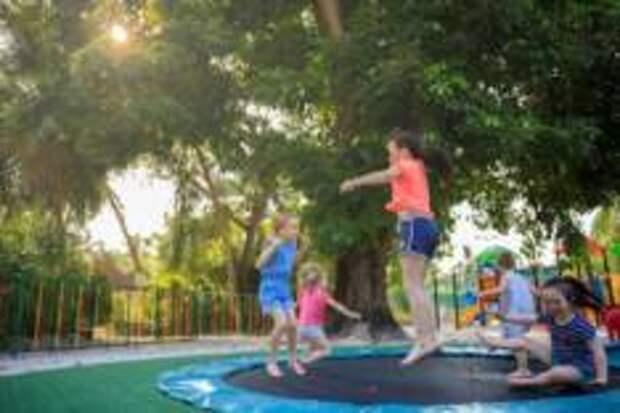 Детские каникулы в Kurumba Maldives.