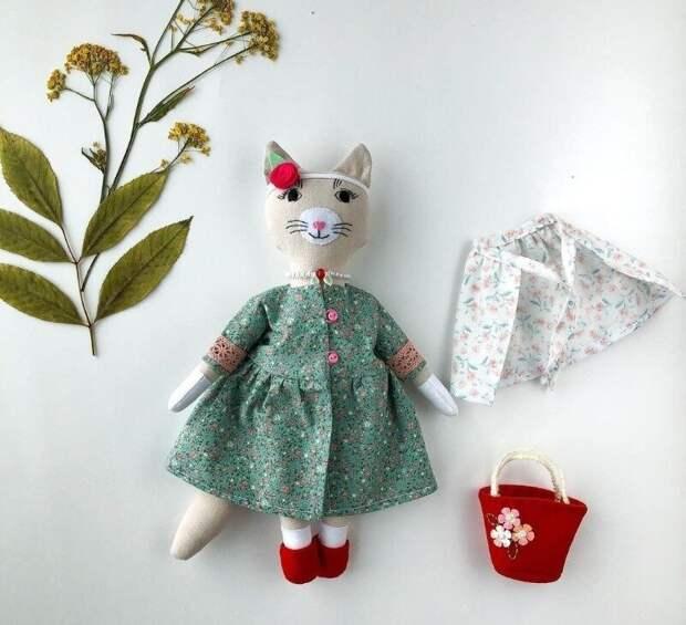 Никогда не думала, что куклы из ткани могут быть такими шикарными. Показываю работы Кати Карелиной