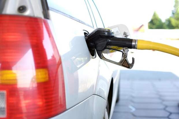 За воровство бензина на заправках решили всерьез не наказывать до 2021 года