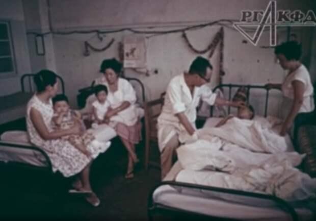 Про вакцинацию и сомнения трудящихся. Почему мы не бежим в поликлиники. А надо бежать!
