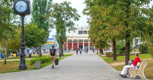 Собянин призвал депутатов Мосгордумы принять активное участие в развитии программы «Мой район». Фото: mos.ru