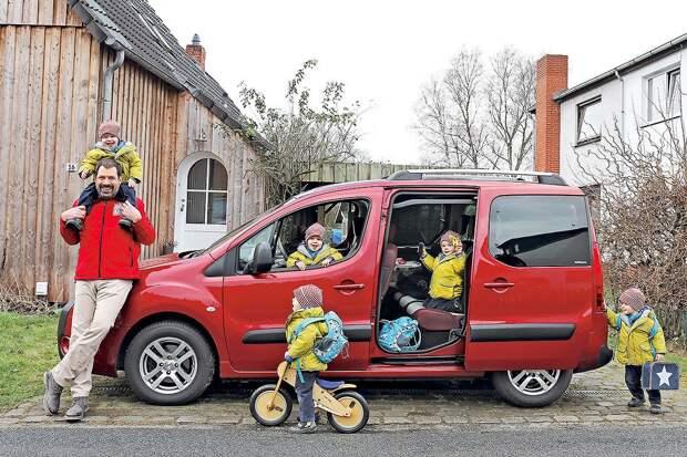 В России многодетным семьям предложили выдавать бесплатный бензин