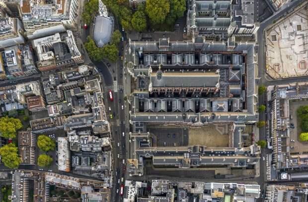 9. Центральный Лондонский окружной суд.