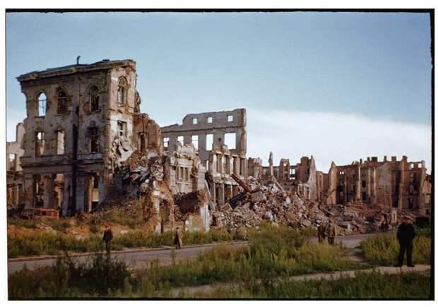 Warsaw after World War II, in August 1947 (26)