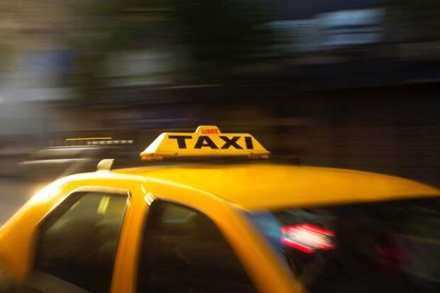 Британский таксист спас беременную женщину от секс-рабства