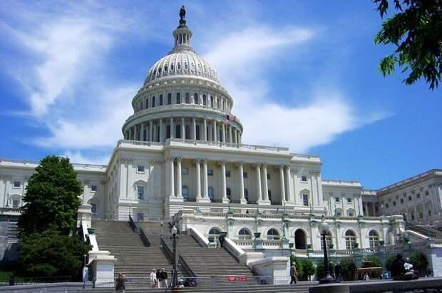 В США принят проект об увеличении военной помощи Украине до $300 млн в год