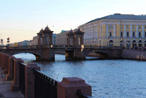 Мост Ломоносова (Чернышёв мост) через р. Фонтанку по улице Ломоносова, Центральный район, Санкт-Петербург.jpg