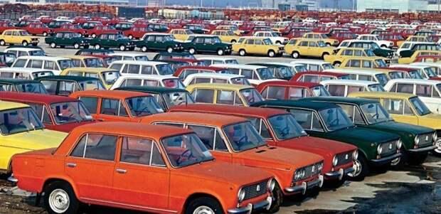 """""""Наценка в 320%, 180 магазинов и 694 СТО"""" - несколько интересных фактов и цифр о продажах машин в СССР"""
