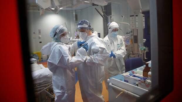 В России заболеваемость и смертность от коронавируса второй день подряд обновляют максимумы — 33 208 заболевших, 1 002 умерших