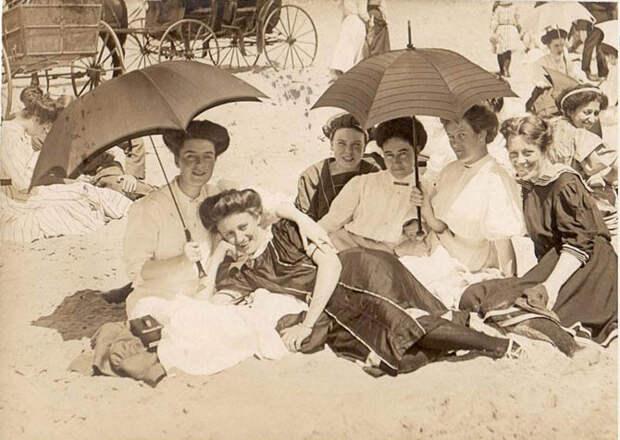Рождение пляжа: времена, нравы, мода