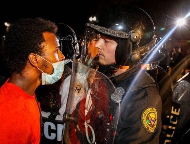 Беспорядки в США провоцируют рост белого расизма