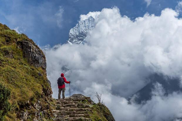 Эверест откроется для первых альпинистов после пандемии
