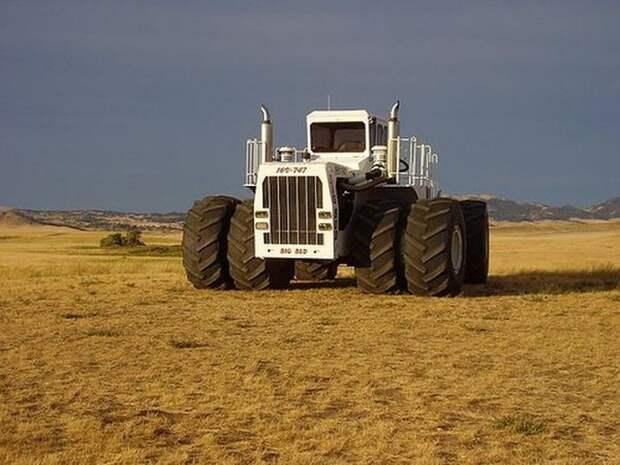 Чисто мужской трактор (8 фото)