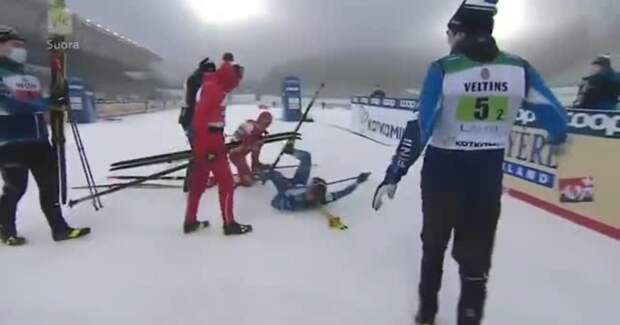 Александр Большунов после инцидента на финише эстафеты объяснился норвежскому телевидению: «Я просто хотел поговорить с финном»