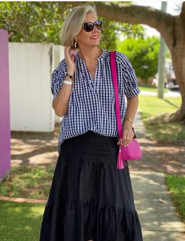 С чем носить черную юбку, чтобы выглядеть интересно и стильно