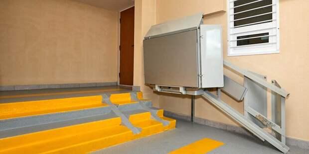 В доме на Декабристов установят платформу для маломобильных граждан