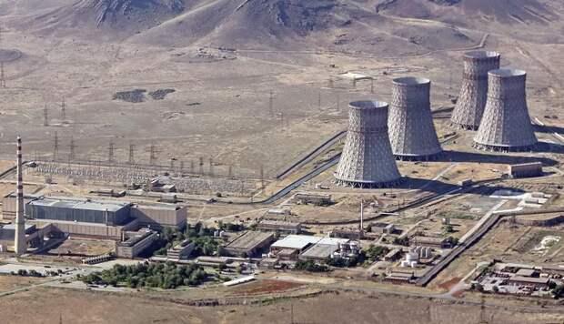 Азербайджан пригрозил ракетным ударом по атомной станции в Армении