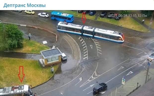 Движение трамваев восстановили после потопа на шоссе Энтузиастов