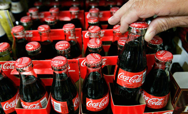 В Севастополе Кока-Колу продают по паспортам (ФОТОФАКТ)