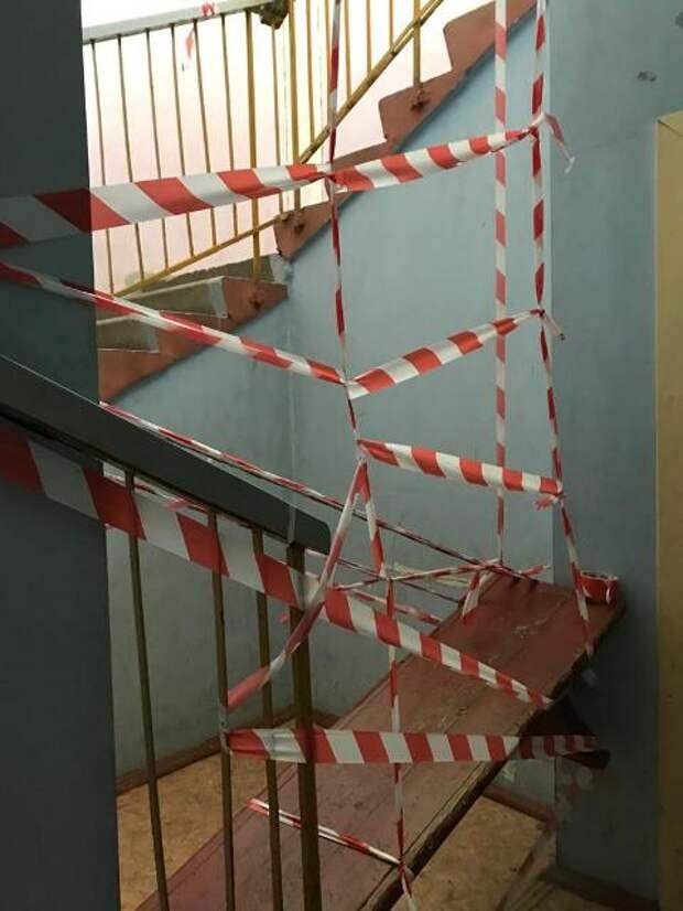 В двухэтажном доме в районе Соцгорода в Ижевске рухнул потолок