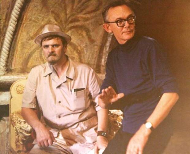 На съёмках фильма «Иван Васильевич меняет профессию».