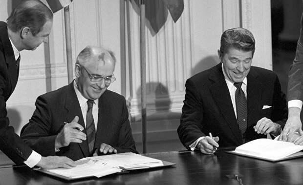 Михаил Горбачев: США и Россия должны прекратить гонку к ядерной войне