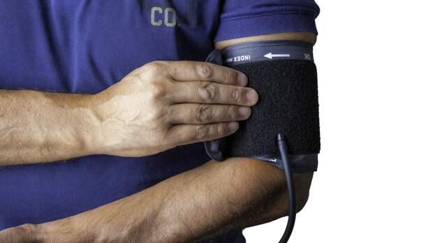 Кардиолог назвал простой и эффективный способ снизить давление без лекарств