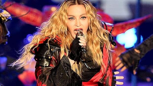 Мадонна снимет фильм о себе