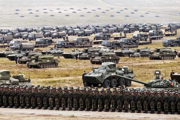 Россия перебрасывает войска на дальние расстояния на месяц-полтора быстрее своих противников