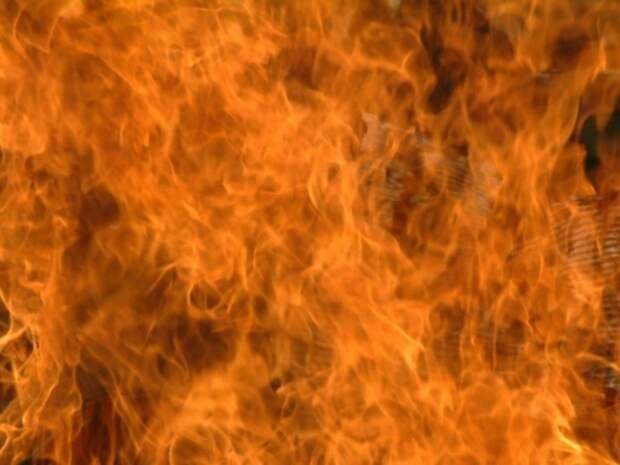 В Сызрани из-за неисправного уличного прожектора сгорел дом, погибли два человека