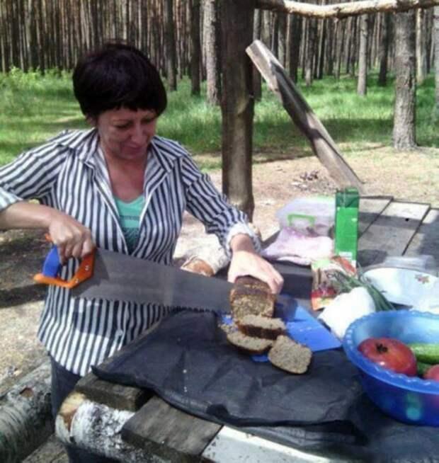 Суровые русские женщины после того как расправились с горящими избами и скачущими конями прикол, только в россии, умом россию не понять, юмор
