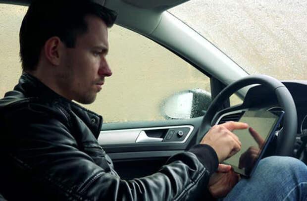 Четверть водителей готова пересесть на беспилотники - опрос ЗР