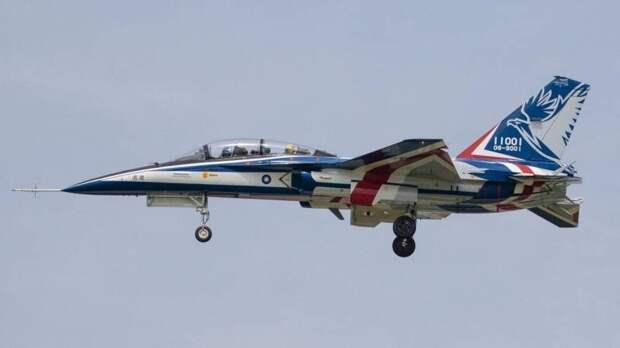 Учебно-боевой самолёт AIDC XT-5 «Отважный орел» дошёл до этапа летных испытаний