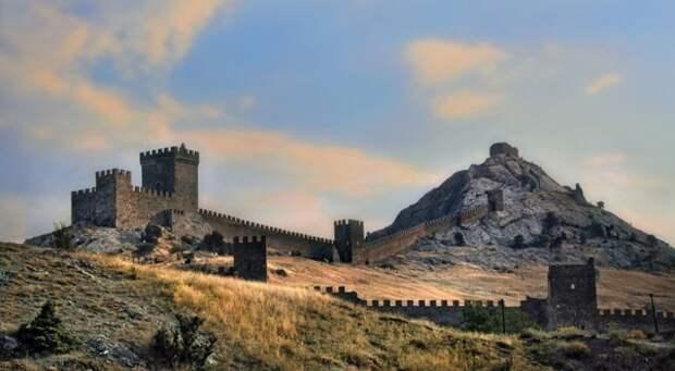 Судак ― топ-3 главных достопримечательностей самого солнечного города Крыма