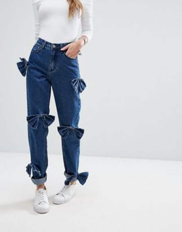 джинсы с бантами