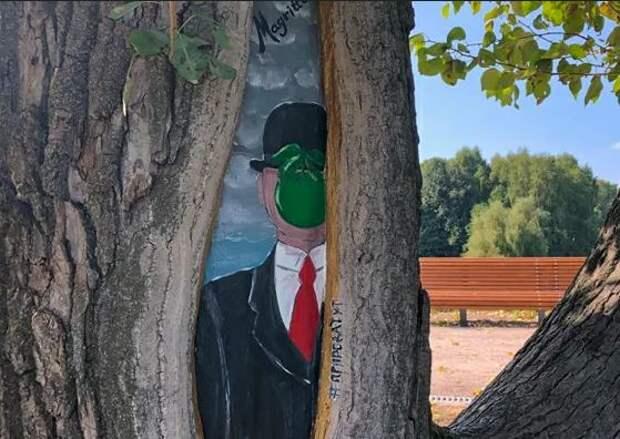 Рисунки на деревьях носят не только декоративную функцию/ mos.ru