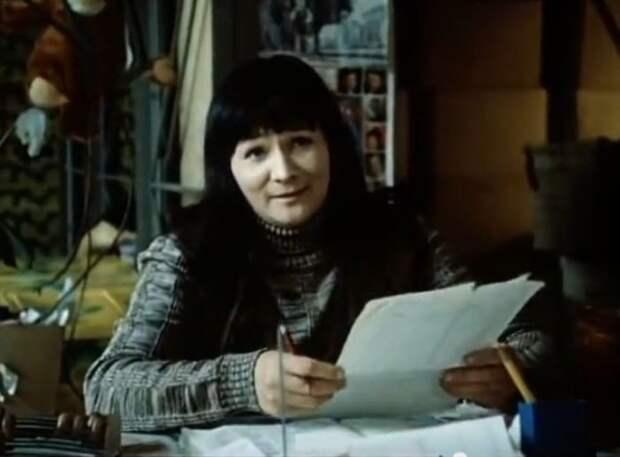 Зинаида Славина в фильме *Детский мир*, 1982 | Фото: kino-teatr.ru