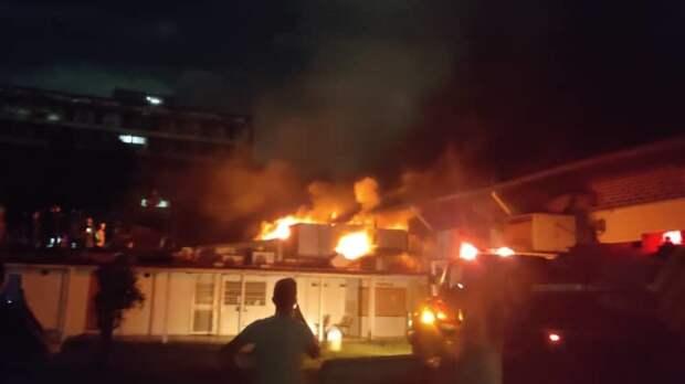 Власти и оппозиция обвиняют друг друга в поджоге здания Центрального университета Венесуэлы