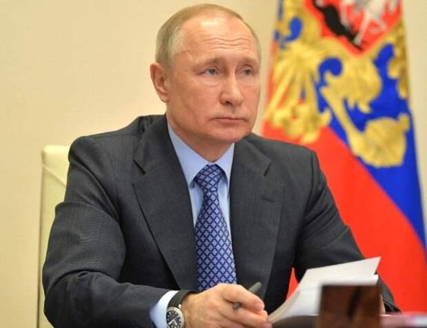 Путин поддержал идею распространить на волонтёров меры поддержки медиков