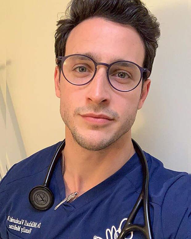 Самый сексуальный доктор Америки оказался русским (ФОТО)
