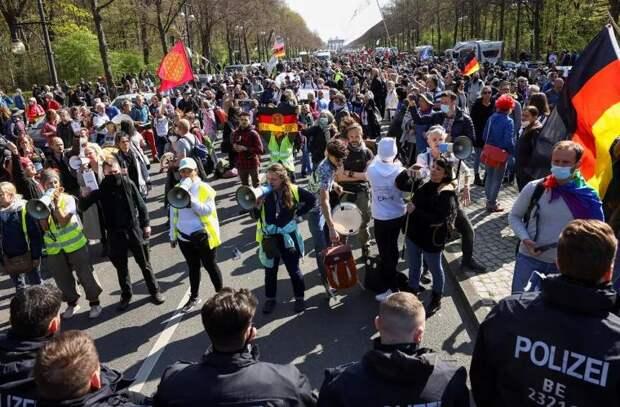 Германия ужесточила ограничения вопреки протестам
