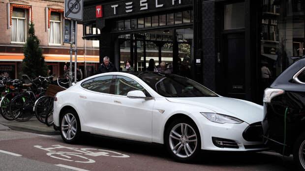 Стала известна причина отзыва 135тысяч электрокаров Tesla